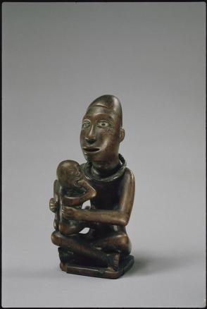 Nkondi (figurated medicine) of a woman with child